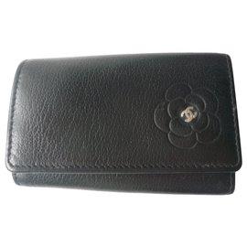 Chanel-CHANEL Porte clé Camélia noir BON ETAT-Noir