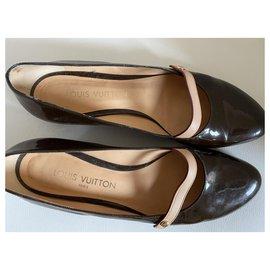 Louis Vuitton-Louis Vuitton flat shoes-Light brown