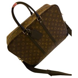 Louis Vuitton-Porte Documents Voyage-Brown
