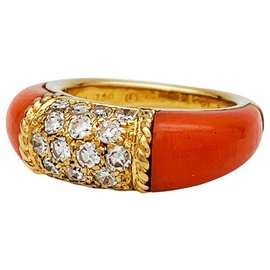 "Van Cleef & Arpels-Bague Van Cleef et Arpels ""Philippine"" en or jaune, corail rose et diamants.-Autre"