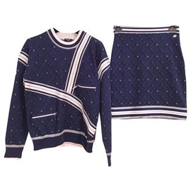 Chanel-''Airlines'' Planes suit-Navy blue