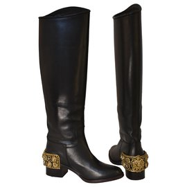Chanel-Collector's Boots 4500€-Black,Gold hardware