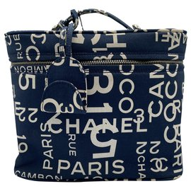 Chanel-Trousse de toilette Chanel Blue 2002-2003-Bleu