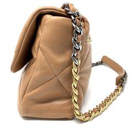 Chanel-Chanel 19 Grand sac à rabat classique beige caramel foncé - 21P - ENSEMBLE COMPLET-Caramel