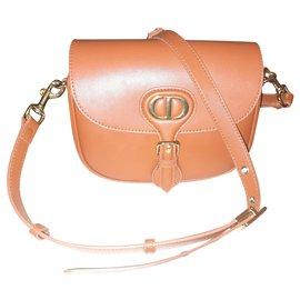 Christian Dior-Dior Bobby Bag 30 montaigne-Caramelo