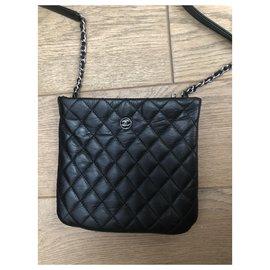 Chanel-Pochettes-Noir