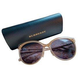 Burberry-Sunglasses-Beige