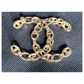 Chanel-Superb chanel brooch in mint condition, gold and rhinestones-Golden