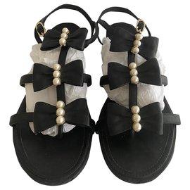 Chanel-Des sandales-Noir
