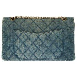 Chanel-2.55 Reissue 227 en denim matelassé bleu, garniture en métal couleur bronze-Bleu
