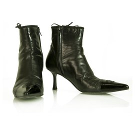 Chanel-Chanel Black Leather Cap Toe Pointed Toe Kitten Heel Ankle Booties Boots sz 37.5-Black