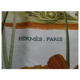 Hermès-Square Hermes 90x90 former representative of racing cars with its box-Other