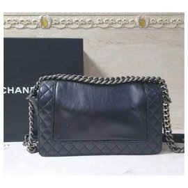 Chanel-Chanel Boy Medium calf leather Chain Flap Bag-Black