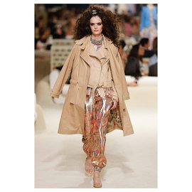 Chanel-16K$ maxi leather trench-Beige