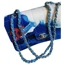 Chanel-A very rare canvas flap bag with Chanel quilted surf logo print-Blue