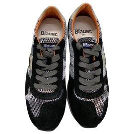 Blauer-Sneakers-Black