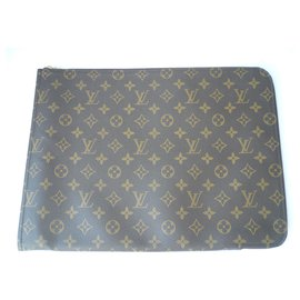 Louis Vuitton-LOUIS VUITTON GM day pouch bag in monogram canvas Man-Brown