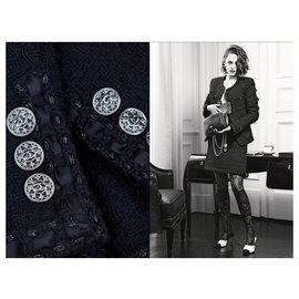 Chanel-Little black jacket & skirt in Black Tweed-Black
