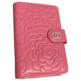 Chanel-Wallets-Pink