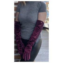 Chanel-Gloves-Dark red