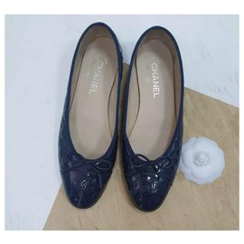 Chanel-Chanel Navy Patent Leather CC Logo Ballet Flats Size 40,5-Navy blue