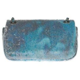 "Chanel-Splendid and very Rare Chanel limited edition ""Runaway Waterfalls"" bag in blue sequins, Garniture en métal argenté-Blue"