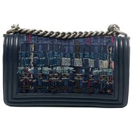 Chanel-Limited edition - Chanel Boy old medium shoulder bag in leather and navy tweed, Aged silver metal trim-Navy blue