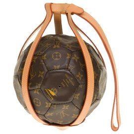 Louis Vuitton-Louis Vuitton World Cup balloon collector in brown coated monogram canvas and natural leather harness-Brown