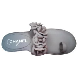 Chanel-Tong-Beige