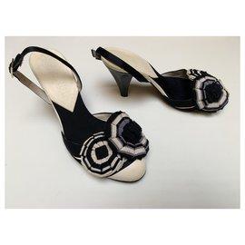 Chanel-Camellia sandals-Black,Eggshell