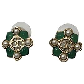 Chanel-Boucle d'oreilles Chanel-Bijouterie dorée