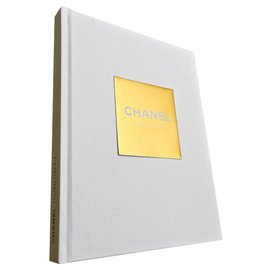 Chanel-CHANEL PHOTOGRAPHY BOOK-White,Golden