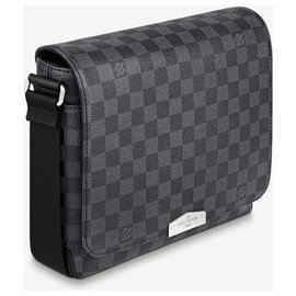 Louis Vuitton-LV District PM new-Grey
