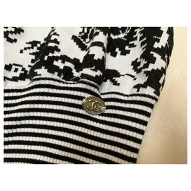 Chanel-Runway sweater-Black,Pink,White