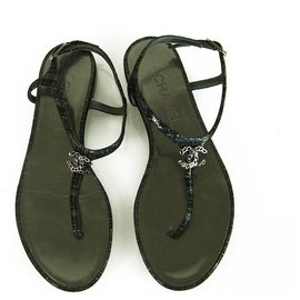 Chanel-Chanel Blue Black Metallic Leather Silver Chain CC Logo Thong Sandals size 37C-Black,Blue