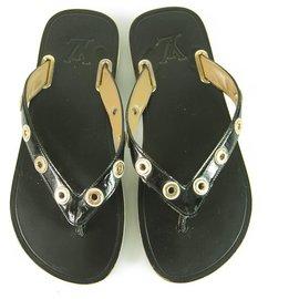 Louis Vuitton-Louis Vuitton Black Shiny Leather Gold hardware LV Logo Thong Sandals size 37,5-Black