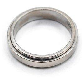 Piaget-Rings-White