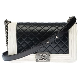 Chanel-Two-tone old medium boy in black quilted leather with white leather outline, Aged silver metal trim-Black,White