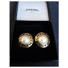 Chanel-Chanel. Chanel - Pearl.-Gold hardware