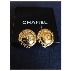 Chanel-Chanel.  Clips.-Gold hardware