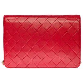 Chanel-Splendid Classic Chanel Bag 25cm in red quilted leather, garniture en métal doré-Red