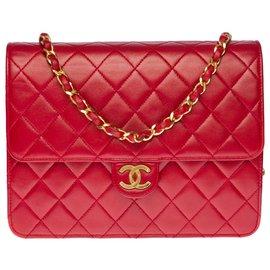 Chanel-Splendid Classic Chanel Bag 22cm in red quilted leather, garniture en métal doré-Red