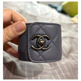 Chanel-Chanel grey quilted cuff bracelet-Dark grey