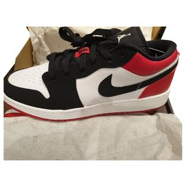 Nike-Air Jordan 1 low black toe gs size children 6.5Y-Black,White,Red