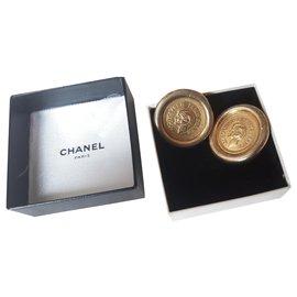 Chanel-Earrings-Gold hardware