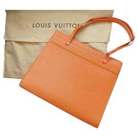 Louis Vuitton-Louis Vuitton Sac Croisette PM en cuir épi orange-Orange