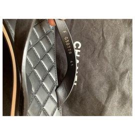 Chanel-Flops-Black