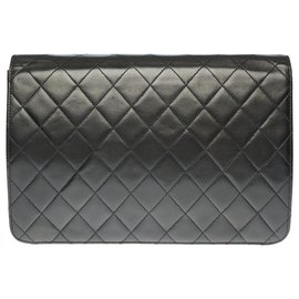 Chanel-Splendid Classic Chanel Bag 25cm in black quilted leather, garniture en métal doré-Black