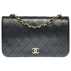 Chanel-Splendid Chanel classic Full Flap bag in black quilted leather, garniture en métal doré-Black
