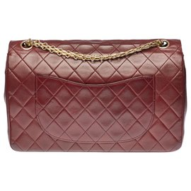 Chanel-Splendid Timeless / Classic 27cm in burgundy quilted lambskin, Mademoiselle gold-tone metal trim and chain-Dark red